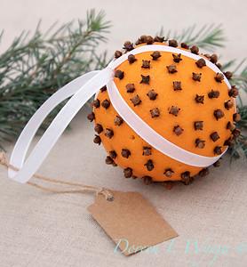 Clove and Orange holiday ball_895