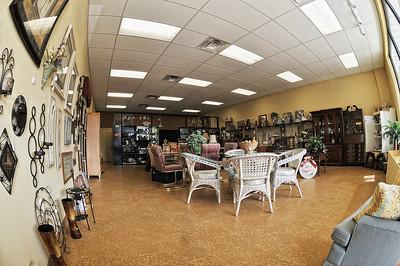 Consignment shop-953A