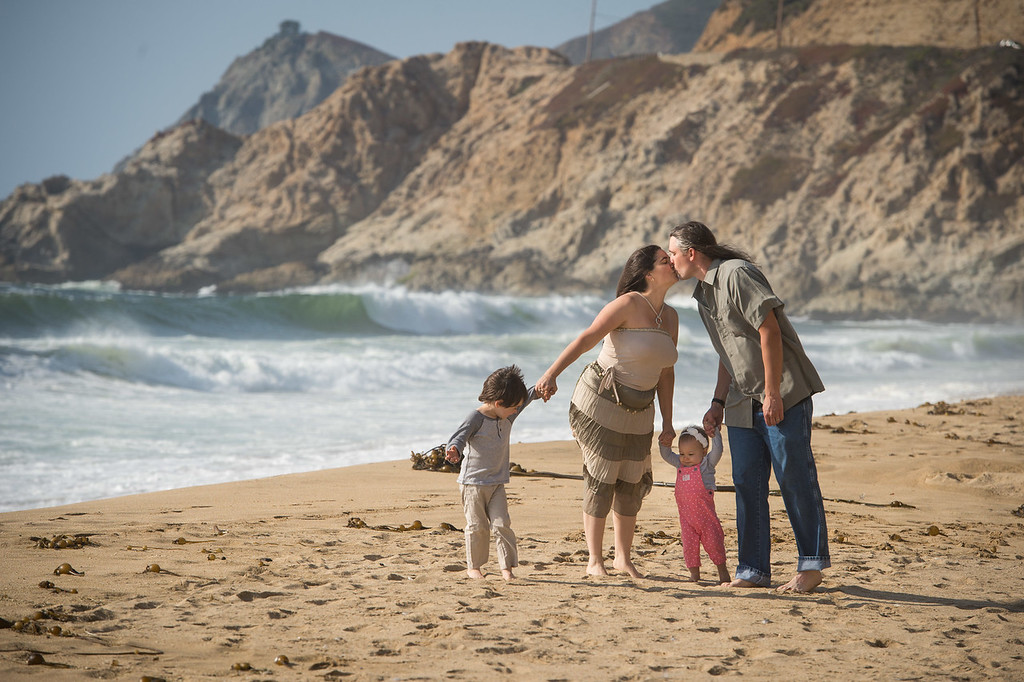 August 16, 2017 - Pacifica, California, <br /> <br /> The Kenney Family Danae, Knute, Nicolai and Trinity at Montera Beach.<br /> <br /> <br /> (Jessica Brandi Lifland/)