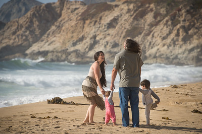 August 16, 2017 - Pacifica, California,   The Kenney Family Danae, Knute, Nicolai and Trinity at Montera Beach.   (Jessica Brandi Lifland/)