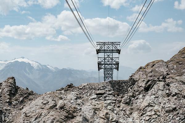 Cable car pylon in Verbier