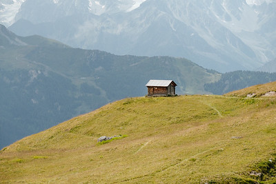 A small wooden cabin in La Chaux Verbier