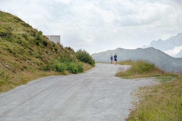 Two people running in Verbier