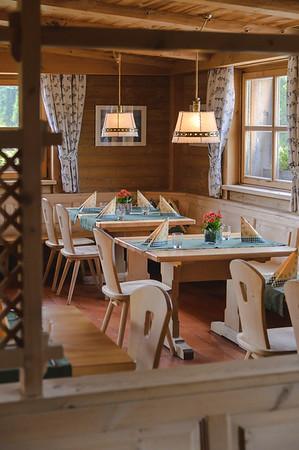 Ütia de Börz - dining hall  // Interiors photography