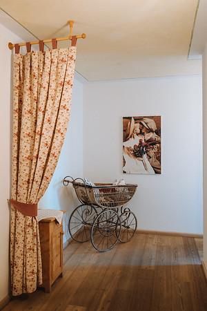 Ütia de Börz - a detail of the 3rd floor hallway  // Interiors photography