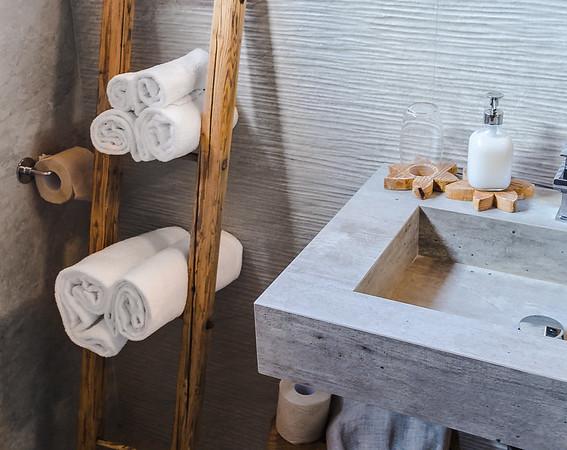Borgo Antico Sappada - bathroom detail  // Interiors photography