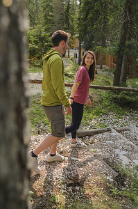 Camping Sass Dlacia - couple enjoying a walk in the camping  // Outdoor, lifestyle photography