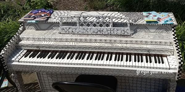 20170826 SOPAC Playing Pianos Around South Orange 154