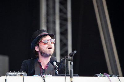 Gaz Coombes at Common People 2016