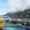 Passengers on Norvegian Pearl admiring Glacier Bay