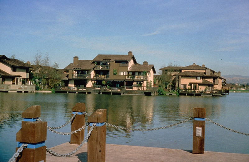 198X-XX-XX - TIC - Attached housing on the west shore of North Lake, Woodbridge, Irvine, CA, USA