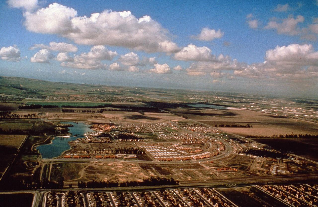 1976-XX-XX - TIC - Woodbridge Northwest Quadrant Under Development