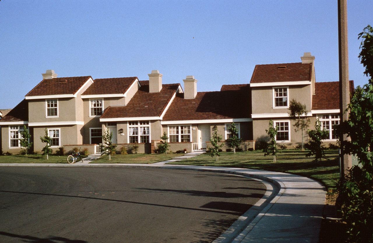 1981-XX-XX - TIC - Townhomes in the Southwest Quadrant of Woodbridge