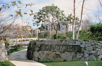 198X-XX-XX - TIC - Harbor Ridge entry monument