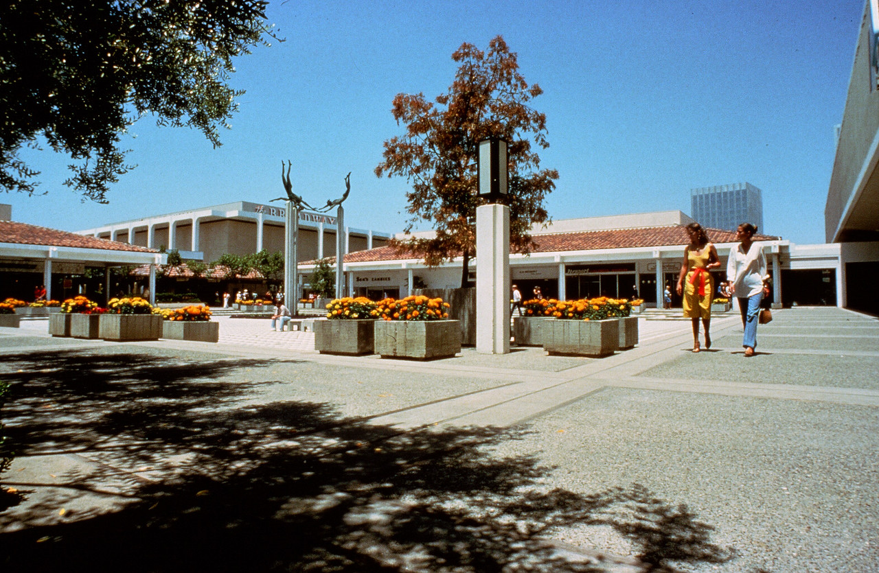 1978-XX-XX - TIC - Fashion Island
