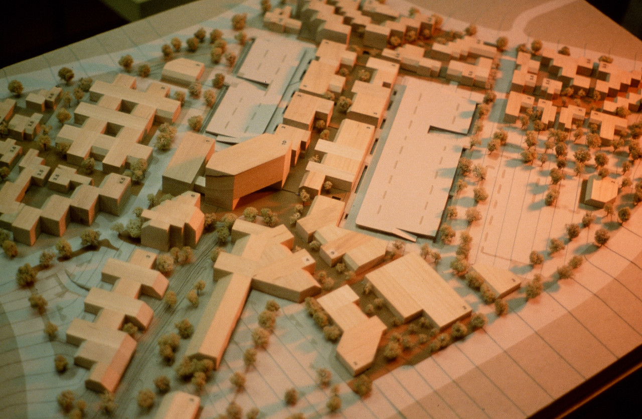 198X-XX-XX - TIC - University Town Center - Model of core area