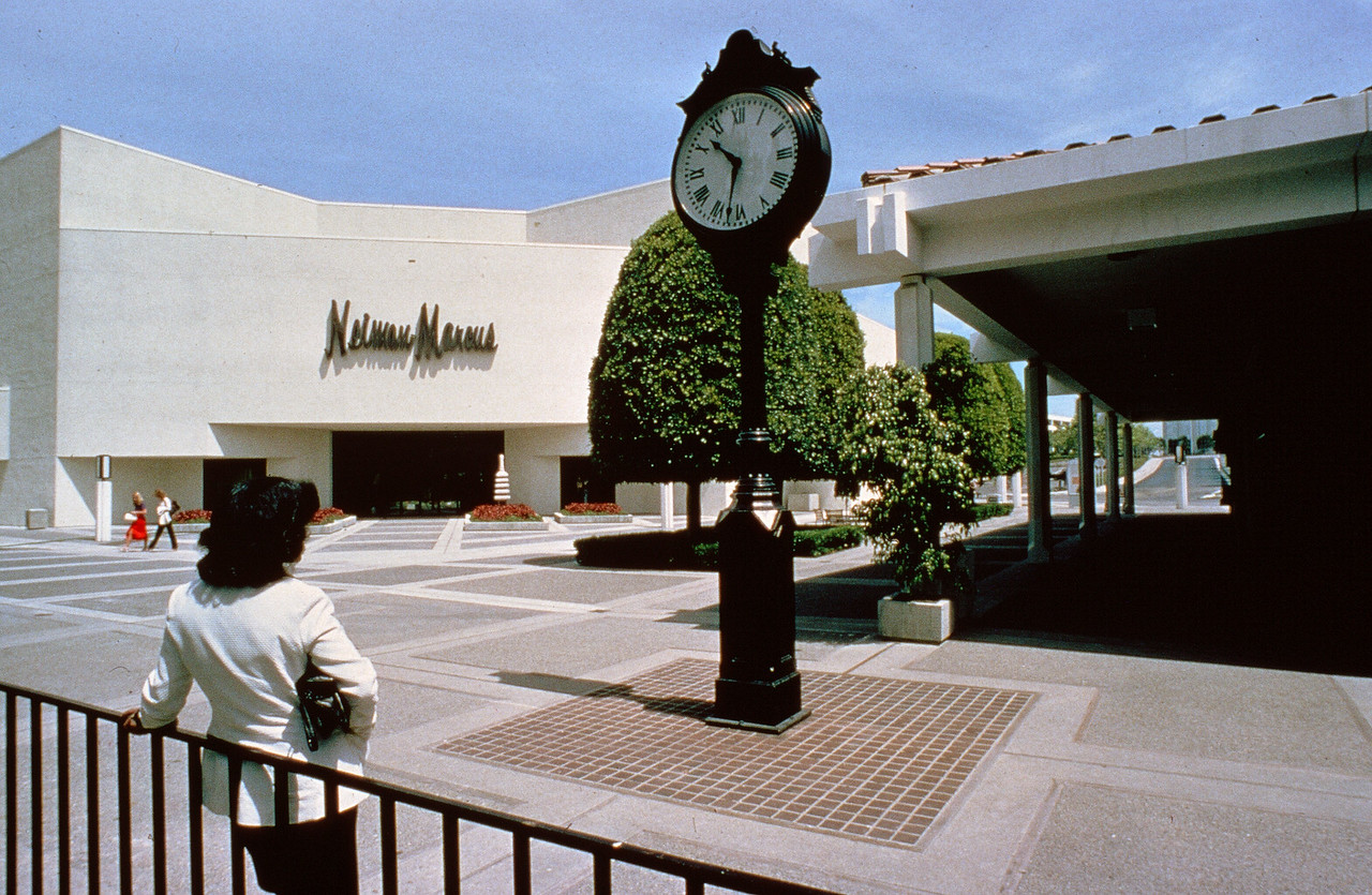 198X-XX-XX - TIC - Neiman Marcus at Fashion Island, Newport Beach, CA, USA