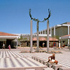 1978-XX-XX - TIC - Sculpture at Fashion Island