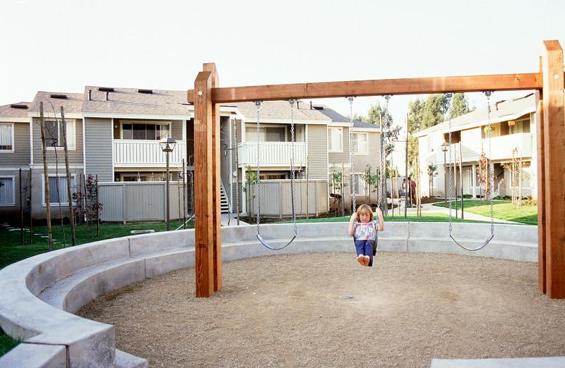 198X-XX-XX - TIC - Garden apartments - Play area