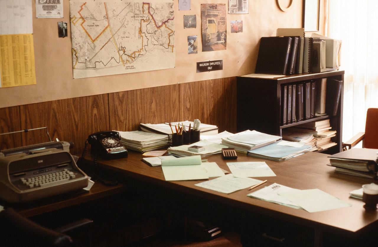 1980-XX-XX - TIC - Pike's Office