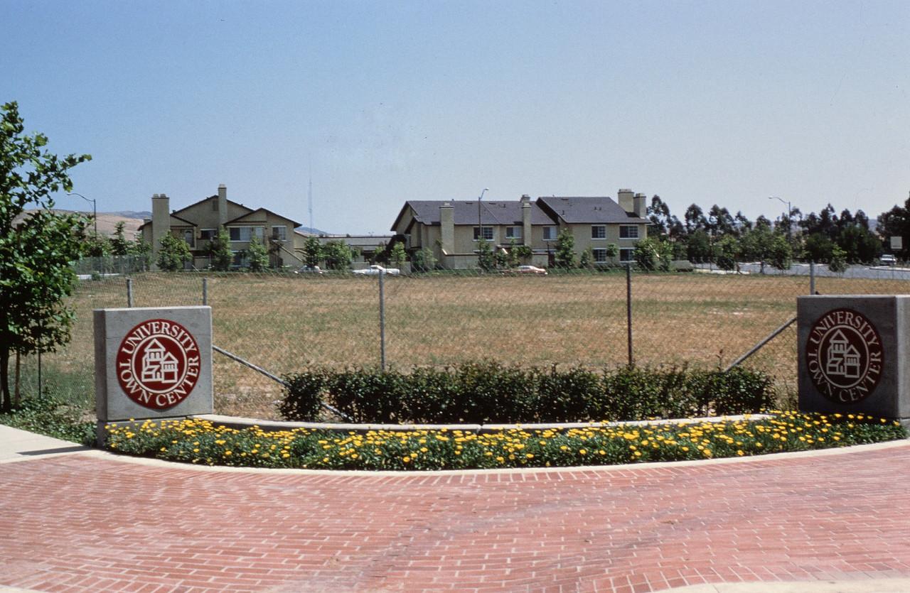 1981-XX-XX - TIC - University Town Center - Development site