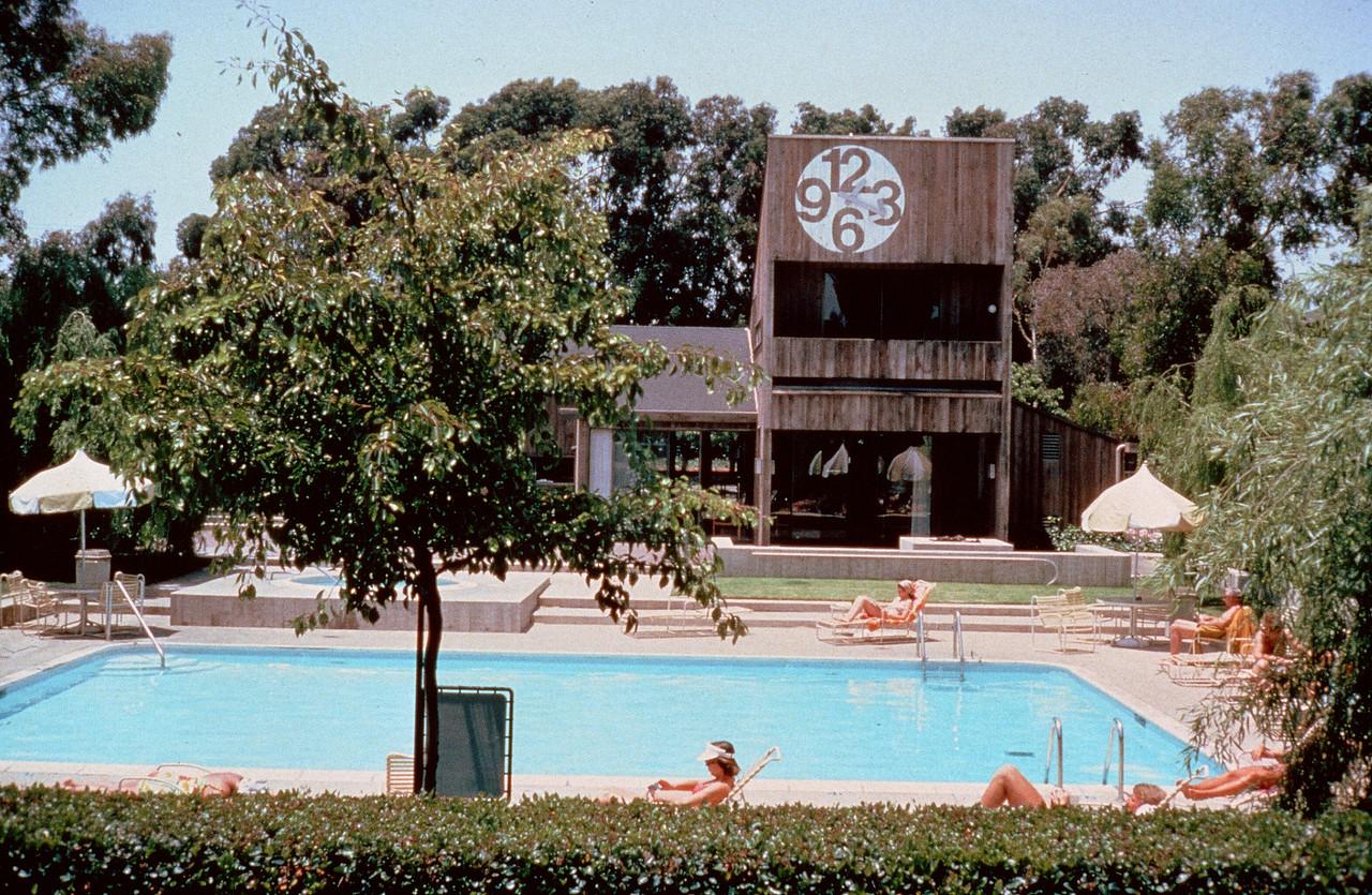 198X-XX-XX - TIC - Apartments in Newport Beach