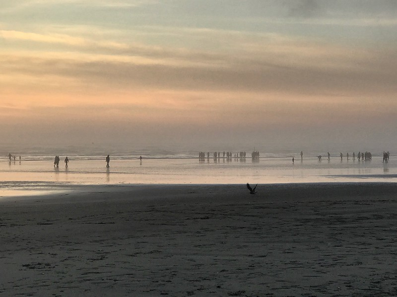 2017-09-09  Seabrook  Sunset view 02 of people on the beach