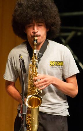 Crystyan Cruz plays saxophone in the jam session with Doug Wimbish.