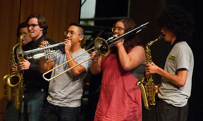 left to right: Abby Wilson, Kevin Starr, Jose Cid, Izzy Foster and Crystyan Cruz perform with Doug Wimbish.