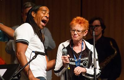 Doug Wimbish sings with Laura Booker.