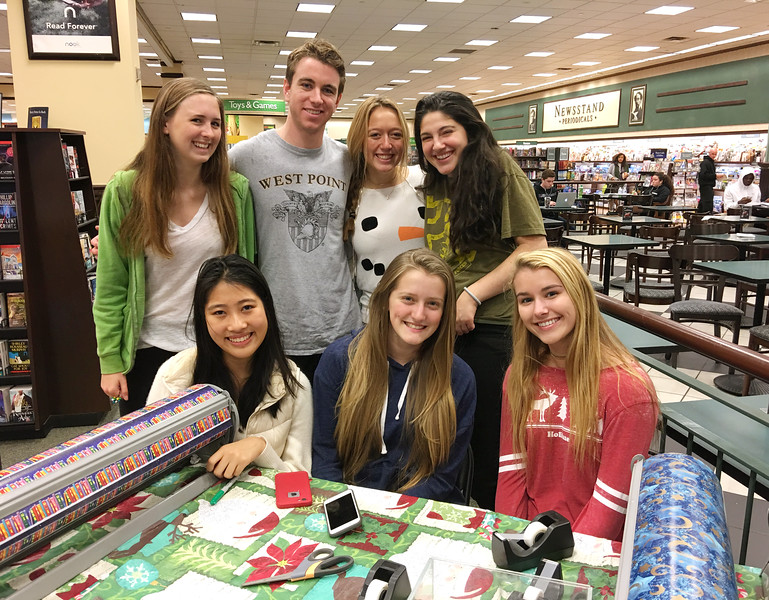Community Service Council Gift Wrapping at Barnes & Noble