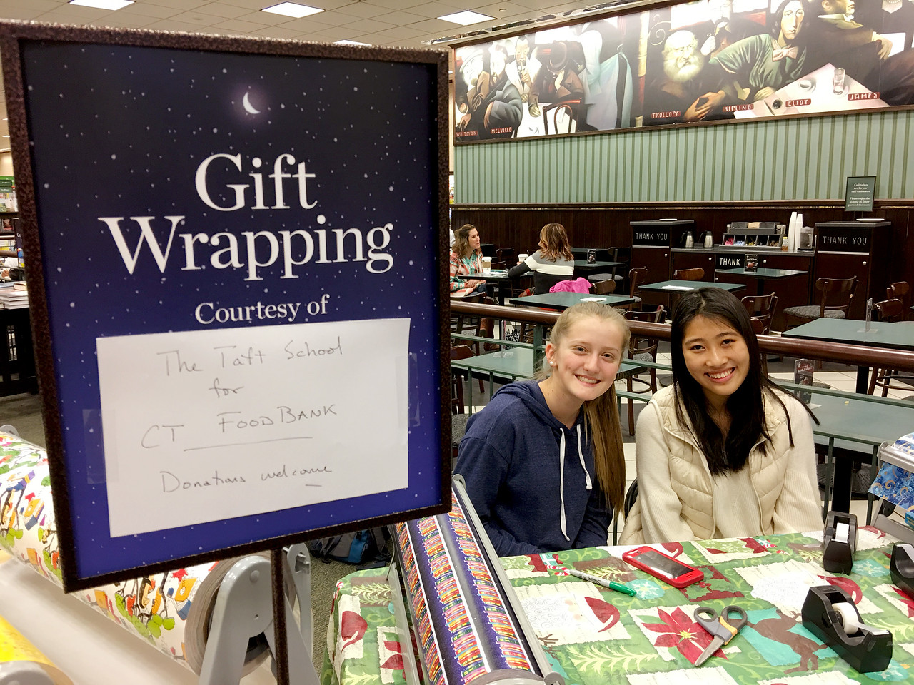 Community Service Council Gift Wrapping - Taft School