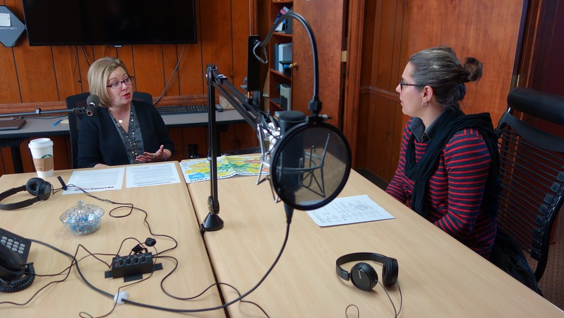 Amy Brooks, left, in conversation with Kim Niewolny at the VT Institute for Policy and Governance