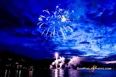 2016 Fireworks-19