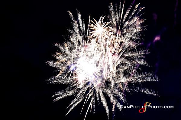 2016 Fireworks-24