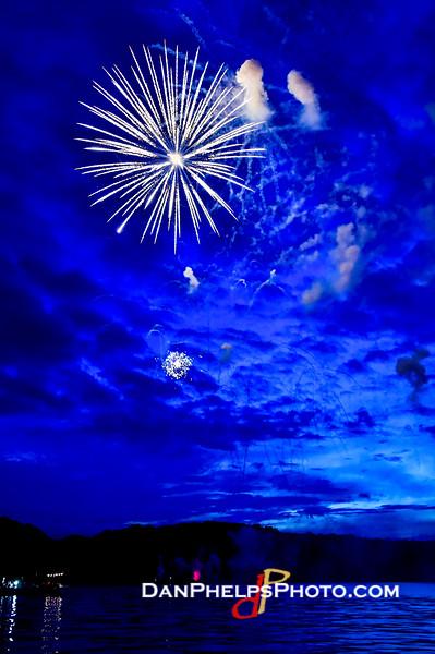 2016 Fireworks-14