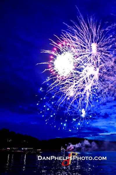 2016 Fireworks-12