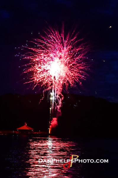 2016 Fireworks-8