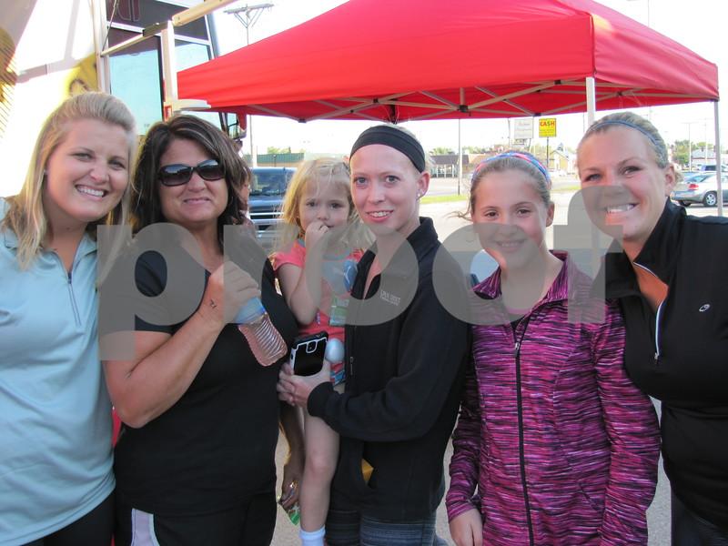 Dana Oswald, Cindy Moore, Halie and Dawn Moore, Kylei Moore, and Cara Bockes