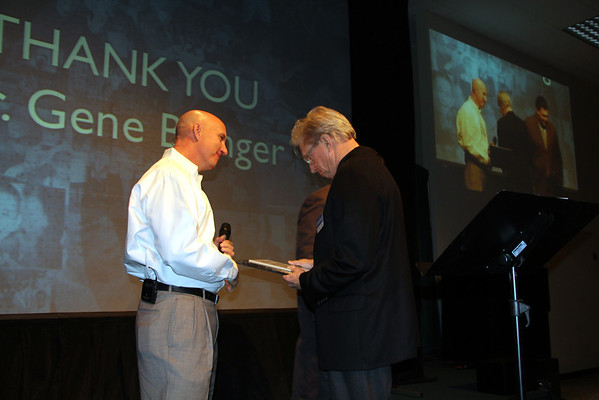 6 Stones Honors Dr. Buinger with Catalyst of Hope Award (January 2013)