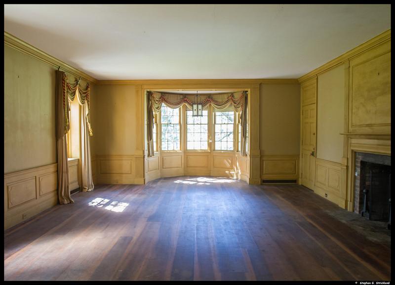 Inside the Harding House