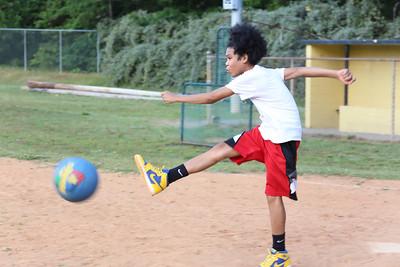 Kickball_055