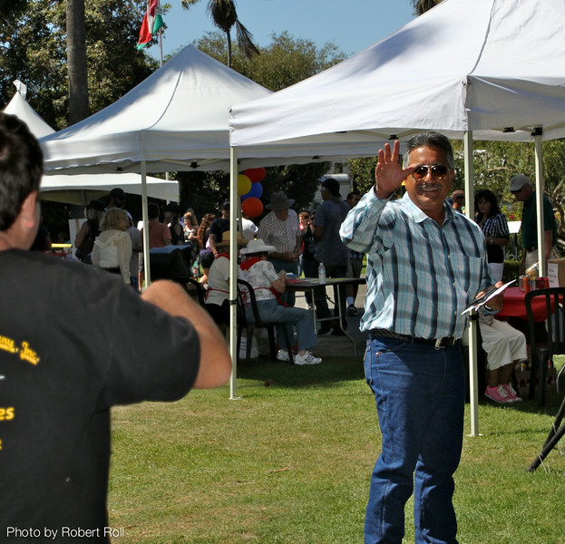 Radio personality Just J from KHAY Country 100.7 greets a listener at the third annual Camarillo Hospice Country Music Festival and Chili Cookoff on Sunday, September 4.  The open-air event, held on the grounds of Adolfo Camarillo House, raised more than $60,000 for the non-profit Camarillo Hospice.