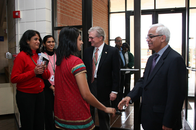 Consul General and students say goodbye.