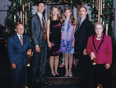 Harold Derr, Jason Lippman, Lisa (Derr) Lippman, Lori Lippman, Rob Lippman, and Esther (Hill) Derr, at Lori's Bat Mitzvah. Lori is 13 (Oct 2003). Richmond, Va.