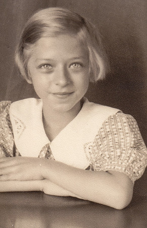 Esther Hill (later Derr), 4th grade.