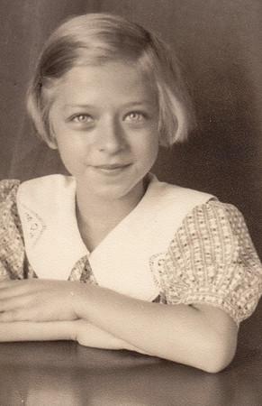 Esther Hill (later Derr), 4th grade.