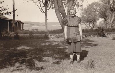 Helen (Bochert) Rausch (married Russell Rausch, children Milton 'Sonny' and Shirley).