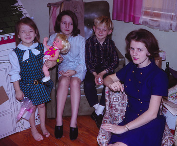 L-R: Beth Hill (later Humma), Debbie Pickel, Bart W. Hill, Marie (Schrack) Hill. Debbie lived with the Hill family for an extended time.