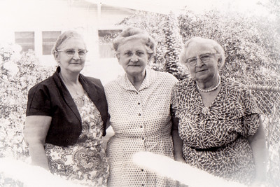 Three sisters: Mabel (Struasser) Hinnershitz, Sally Hoffa, Gertrude Hill.